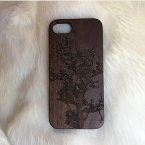 Accessories - 100% walnut wood phone case